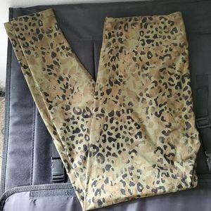Lularoe/ Olive Green Cheetah Leopard Print Legging